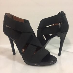Calvin Klein Shoes - Calvin Klein Allison Black Sandals Size 6M